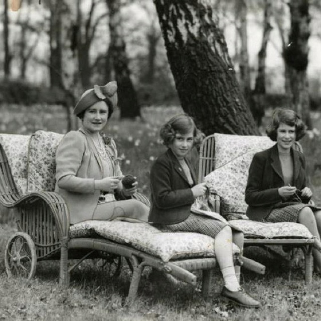 Knitting Queen Margaret Drive : Images about queen mum on pinterest