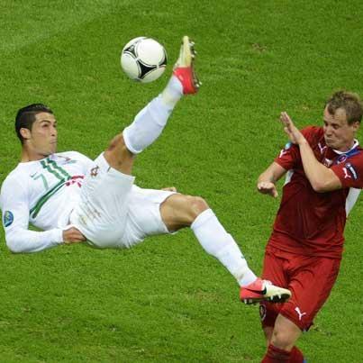 Twitter / CRonaldo7__: #Portugal #Ronaldo La Chil