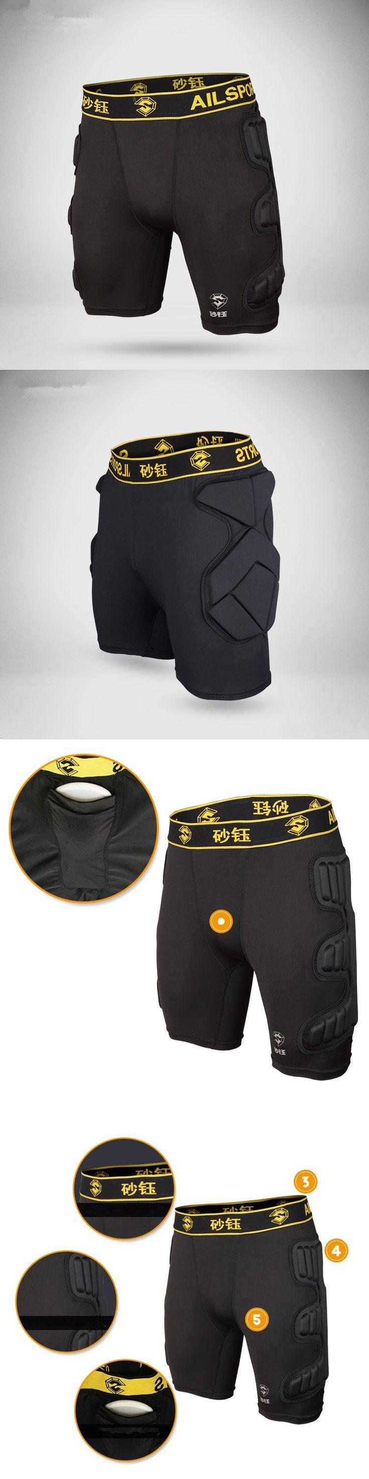 2017 Football Goalkeepers Shorts Men Soccer Running Training Shorts Futbol Protection Sponge Roller Skating Shorts Crash Tackles