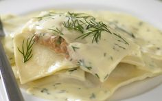 salmon ravioli with garlic and dill sauce