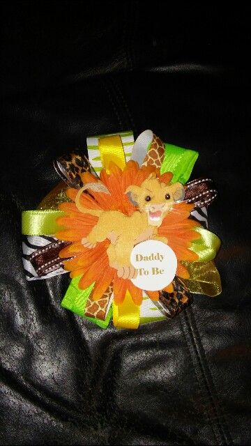 Lion King Small Diaper Cake Centerpiece #lionking #lionkingbabyshowersash #babyshowersash #babyshower #babyshowermamatobe #babyshowerdaddytobe #babyshowerbigsistertobe #babyshowergrandmatobe #mamatobesash #simba #mommytobe #mommytobesash #lionkingbabyshower
