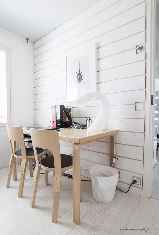 Artekin työpöytä on yksi äidin lempikalusteista. edellisessä kodissa se toimi ruokapöytänä