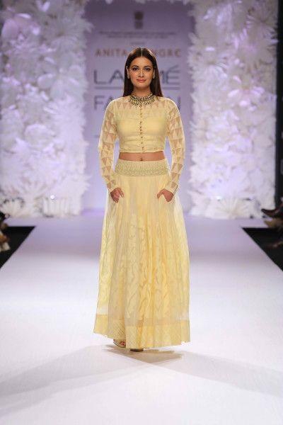 "Anita Dongre's ""Varanasi Weaves"" at the Lakme Fashion Week Summer/Resort 2014"