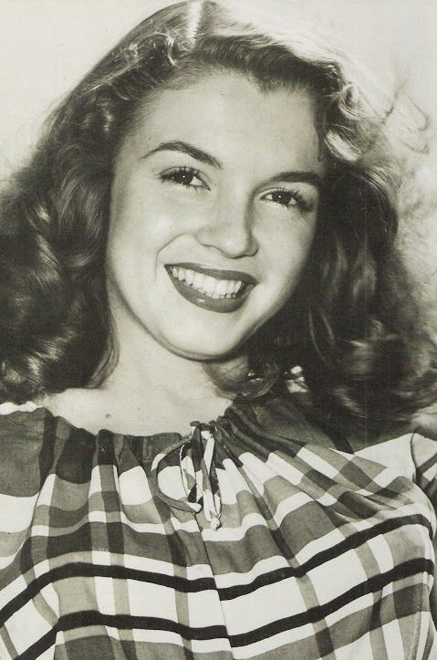 Marilyn Monroe, in the early days. I kind of prefer this look. Before the expectations.