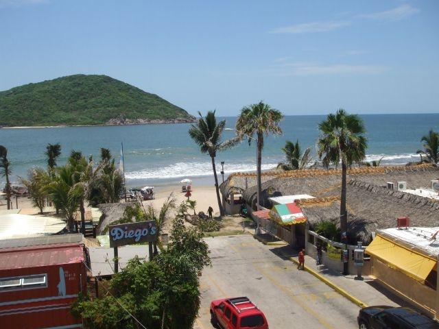 #Mazatlán vista desde el balcón de los departamentos en renta frente @lacostamarinera