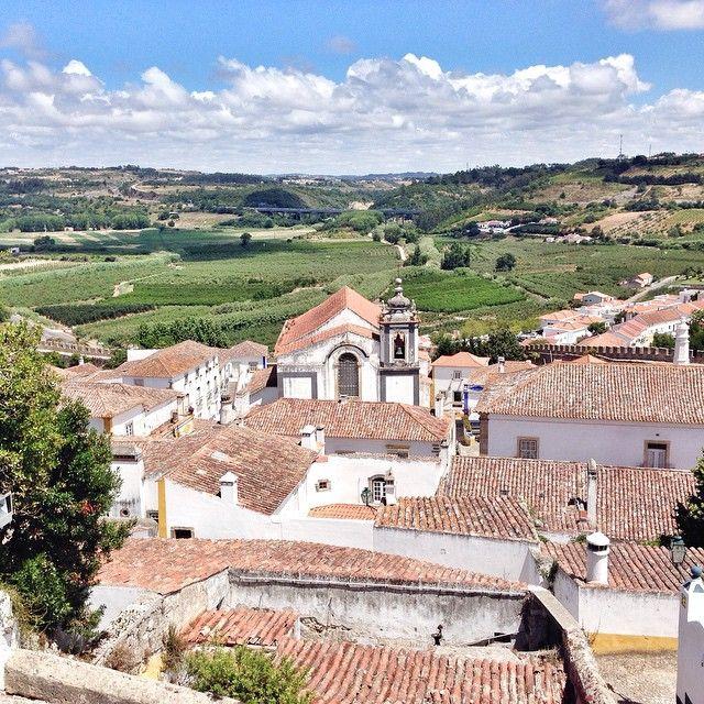 #Douro #Minho #Oeste, #Portugal: A la découverte des plus belles routes des vins en Europe - via ebookers 26.07.2015 | Le Nord du Portugal comporte la route des vins la plus longue du pays. La région de l'Oeste, au Nord de Lisbonne, comporte une route touristique qui traverse 25 exploitations à travers la plus grosse région vinicole du Portugal. Photo: Óbidos