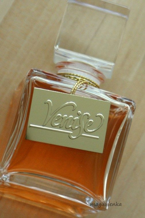 Venise is a perfume by Yves Rocher for women and was released in 2008. The scent is oriental-woody. The production was apparently discontinued.