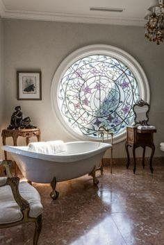 Badezimmer, Französisch Home Decor, Französisch Badezimmer Dekor,  Französisch Landhäuser, Badezimmer Ideen, Traumbäder, Farbiges Glas,  Heimtextilien, Tage