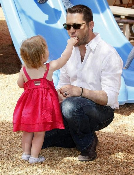 jason priestley with his daughter
