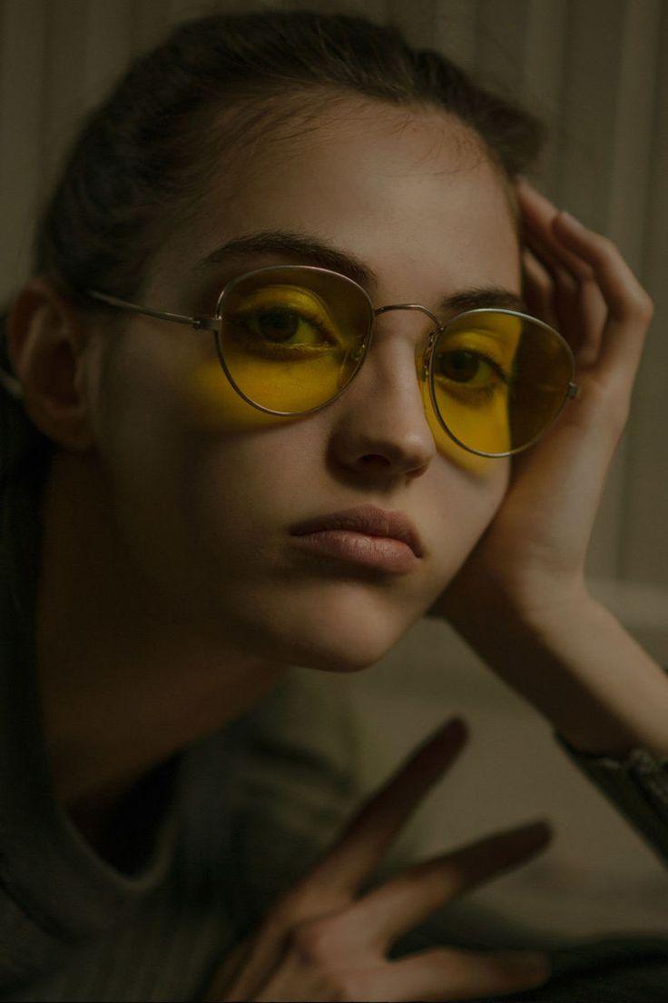 camille hurel in vintage round metal sunglasses #sunglasses #shades #fashion #streetstyle #bloggers #models #topmodels #gafas #gafasdesol #lunettesdesoleil #occhialidasole