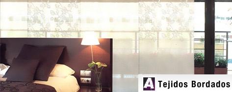 Paneles japoneses Stabia, en base de lino con bordado en el mismo color, Dieño, Calidez y elegancia. Conocelos en nuestra web http://www.cortinadecor.com/productos/3180/paneles-japoneses/stabia-paneles-japoneses
