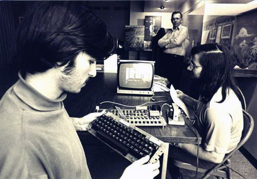 Steve Jobs and Wozniak using Apple-1 system, ca. 1976 ©Apple, Inc. / Joe Melena