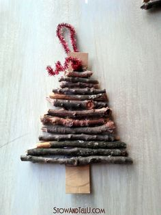 Cute Idea for Twig Ornaments! Rustic twig and cardboard Christmas tree ornaments - Full tutorial --http://stowandtellu.com/rustic-twig-christmas-tree-ornaments/