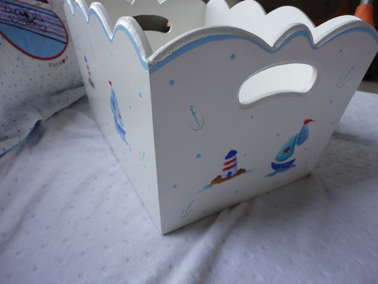 11 best images about deco bebes on pinterest - Cajas de madera pintadas a mano ...