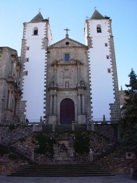 Iglesia de San Francisco Javier, conocida como la de la Preciosa Sangre.