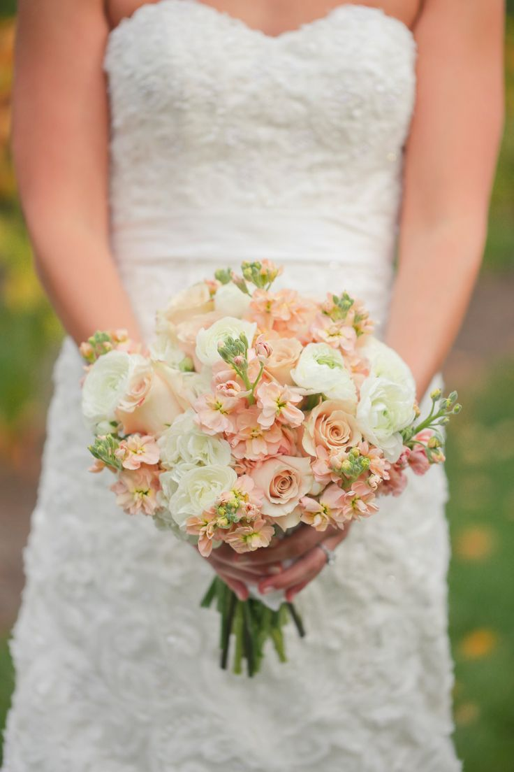 Ivory & Peach Bouquet. See the wedding here: http://www.StyleMePretty.com/2014/04/16/southern-jewish-wedding-with-a-farm-backdrop/ Photography: julierobertsphoto.com -- Floral Design: SamuelFranklin.com