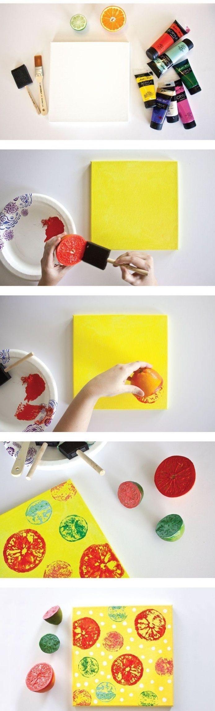 travaux manuels, activité manuelle 2 ans avec du papier coloré et des tampons en agrumes peints