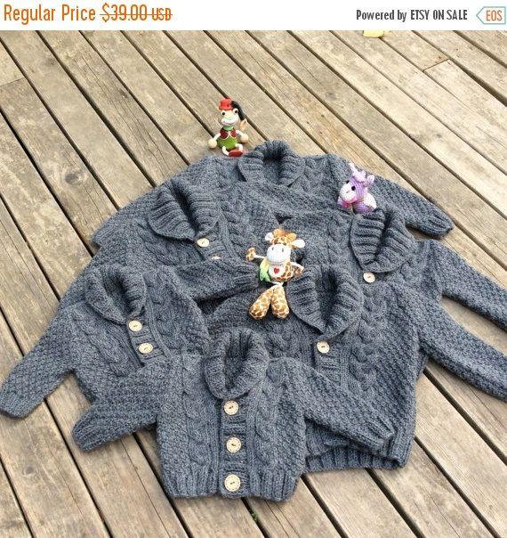 SULLA vendita maglia maglione bambino, a mano a maglia grigio Cardigan bambino, neonato grigio vestiti, New Born Baby Gift per docce bambino, cappotto a trecce