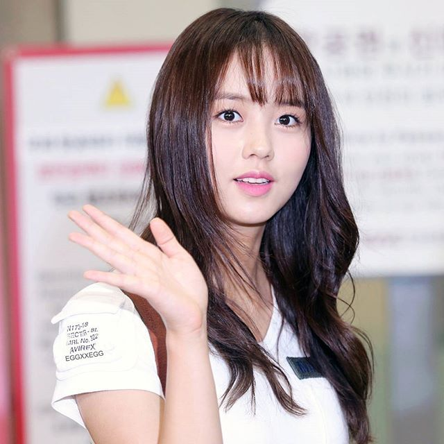 Good Morning Sohyunnie^^👋🙆 Photo by : @eggxxegg @wow_kimsohyun #김소현 #KimSoHyun #KSH #Sohyun #金所炫