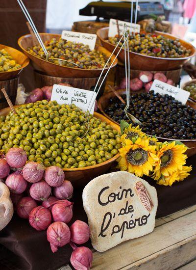 Olives au marché de #Gordes