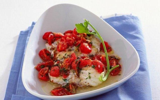 Ψάρι με ντοματίνια στο φούρνο