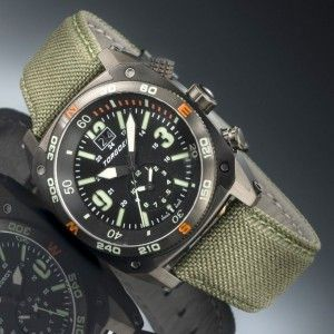 The Torgoen T7T-B, from the Scorpion tactical watch series