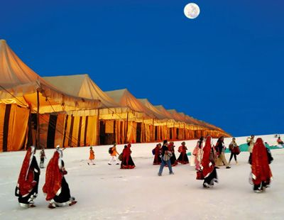Every December, on a full moon winter night, in the strikingly contrasting landscape of Kutch, a three-day festival,popularly known as Rann Utsav, brings the spotless white sands alive with music and colour.