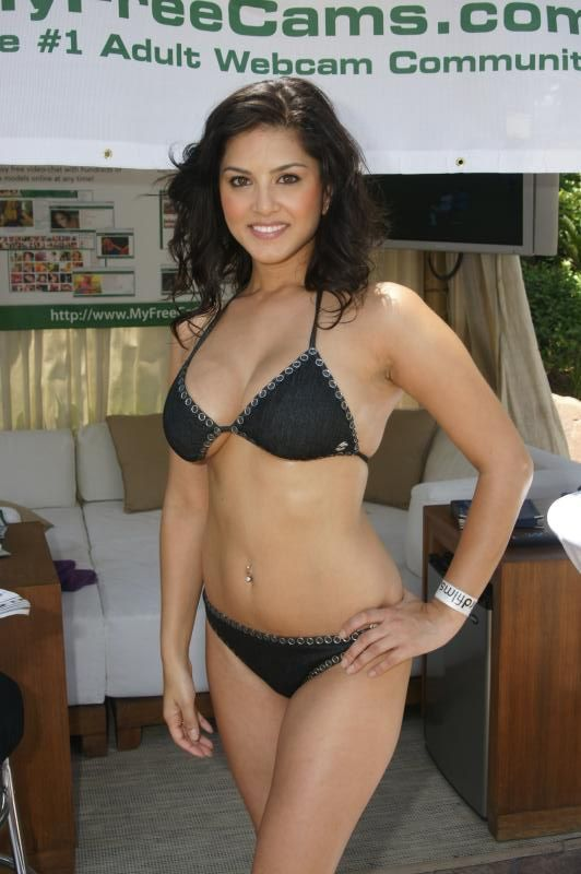 sunny leone without clothes and doing sex
