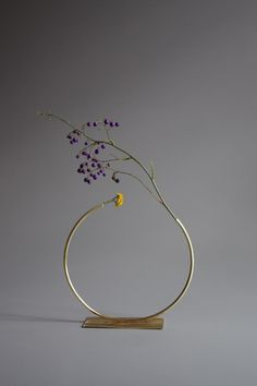 anna varendorff brass vase 9 - almost a circle.
