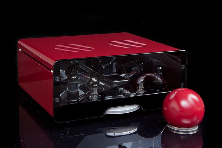 Egg-Shell Prestige 12WKT - vacuum tube integrated stereo amplifier with spherical remote control in custom color.