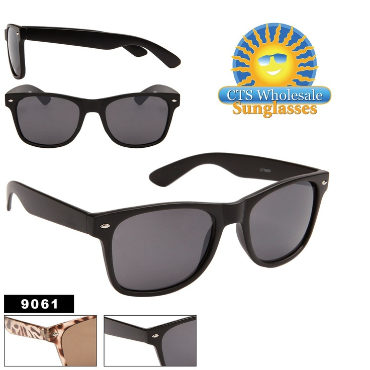 17 Best Images About Celebrities Wearing Wayfarer Sunglasses On Pinterest