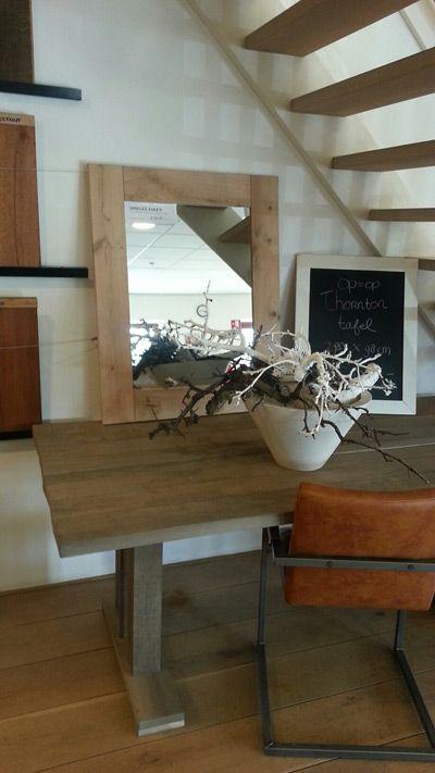 Houten spiegel, Rustieke tafel - leuke kleuren - Fairwood houten vloeren en meubelen Tiel