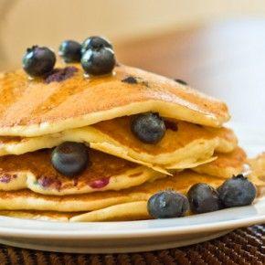 Jak już powszechnie wiadomo, śniadanie to najważniejszy posiłek dnia; niemal każdy to wie, ale niestety nie każdy codziennie je pełnowartościowe śniadanie.  http://blog.ruszamysie.pl/10-pomyslow-na-zdrowe-sniadanie/
