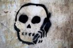 Skull-Phone-Graffiti