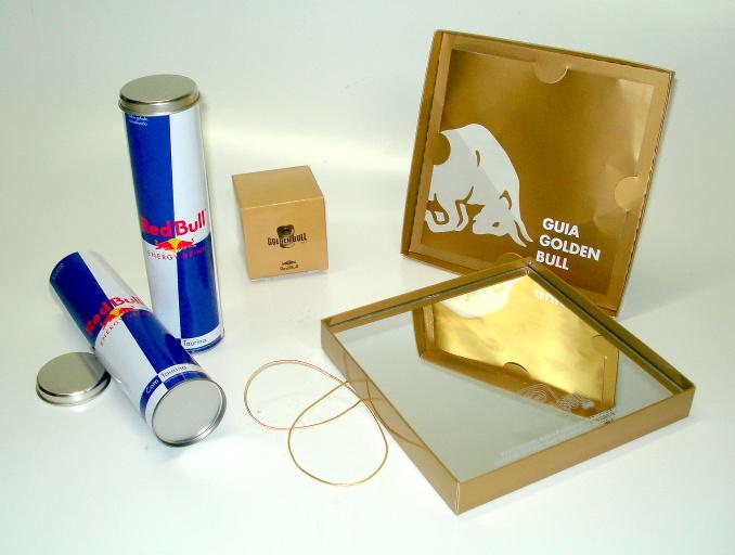 Kit convite contendo caixa com espelho gravado, tubo, convite e gift.