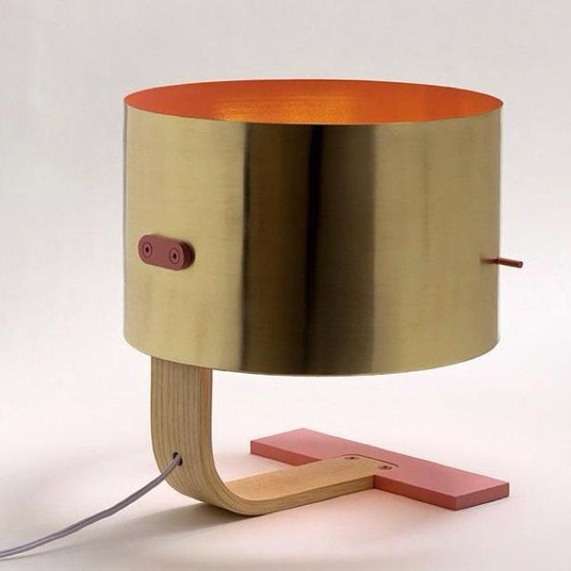 .: Lum Lamps, Lights Products, Design Interiors, Lamps Lumlp, Interiors Design, Design Modern, Modern Interiors, Desks Lamps, Interiors Lights