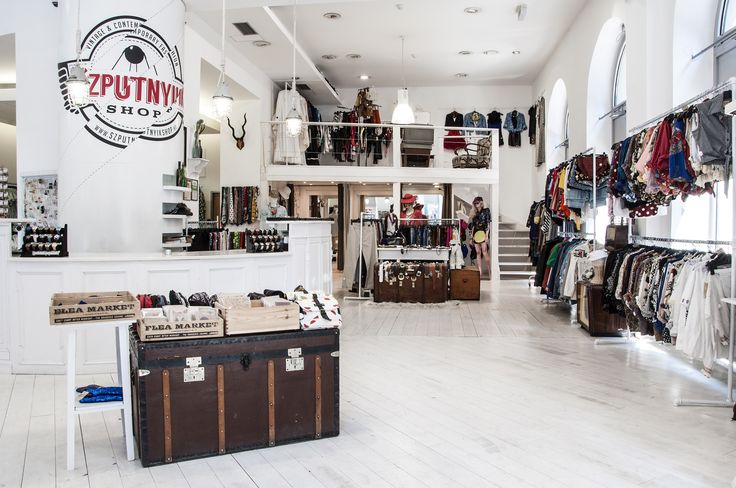Vintage & contemporary fashion for men and women in Budapest Budapest VII., Dohány utca 20. Tel.: +36 1 321 3730 Mon-Sat: 10.00-20.00; Sun: 10.00-18.00