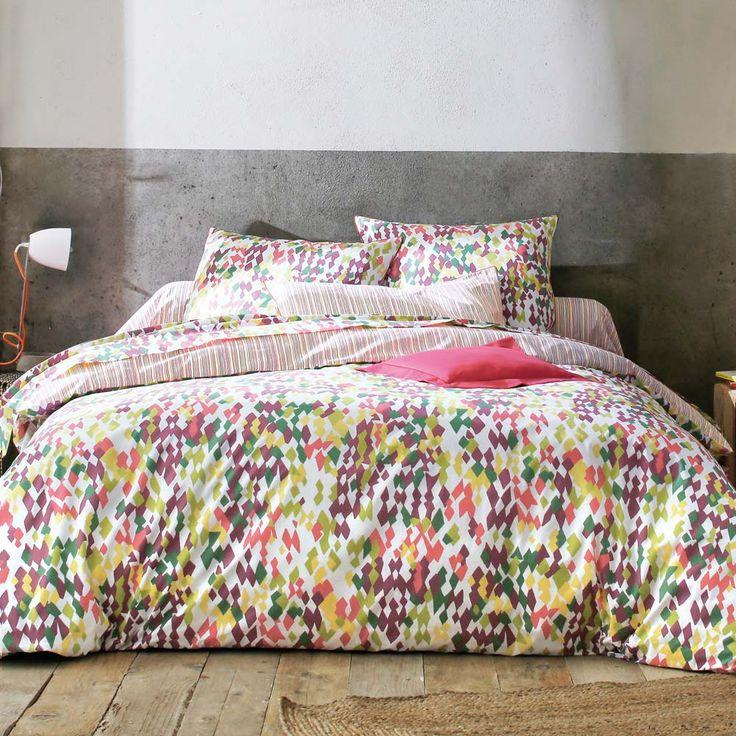 """Parure de lit """"tatoo"""" aux coloris pop dans un style camouflage."""