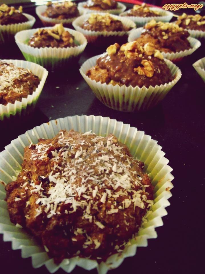 Szybkie muffinki bez cukru z (nie)czekoladą | szczypta-wege przepisy wegańskie i wegetariańskie - zdrowe pomysły na obiad i inne okazje