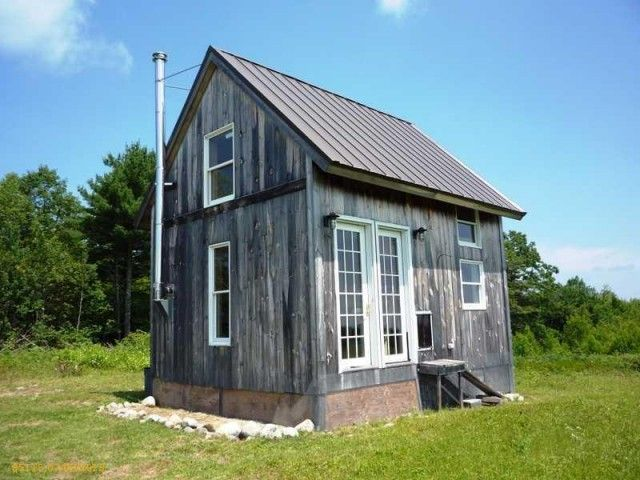 14 best images about tiny houses on pinterest cornwall for Small solar home designs