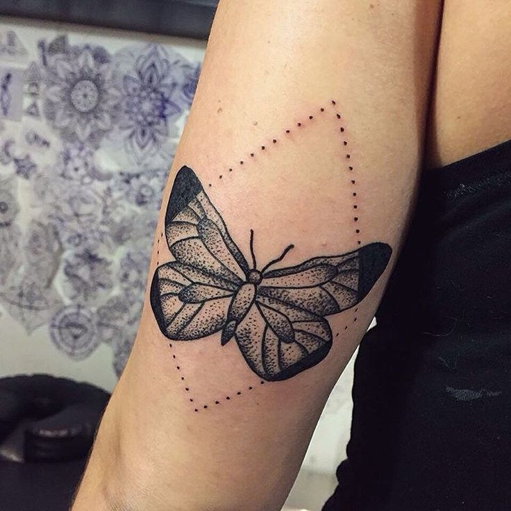 ber ideen zu schmetterling tattoo bedeutung auf pinterest tattoo bedeutungen. Black Bedroom Furniture Sets. Home Design Ideas
