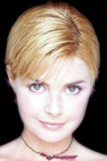 Gail Porter With Very Short Hair Style 08