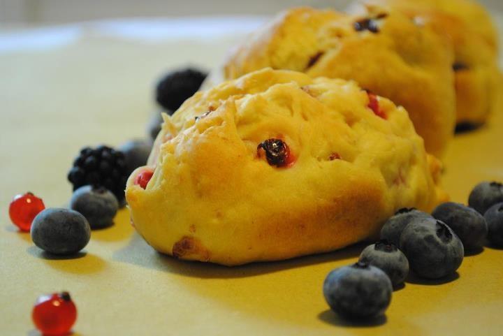 Piccoli pan brioche ai frutti rossi  http://www.facebook.com/note.php?note_id=305428262833520