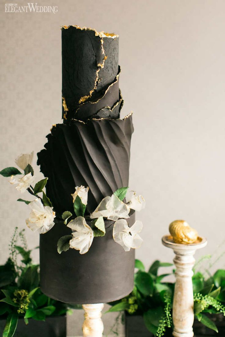 Black Wedding Cake, Black and Gold Wedding Cake, Metallic Wedding Cake, Ruffle Wedding Cake, Wedding Cake Ideas ElegantWedding ca