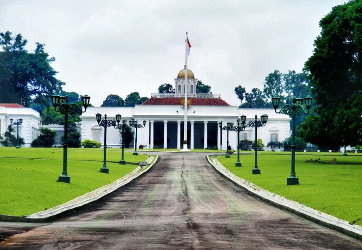 tempat wisata di bogor Istana Bogor