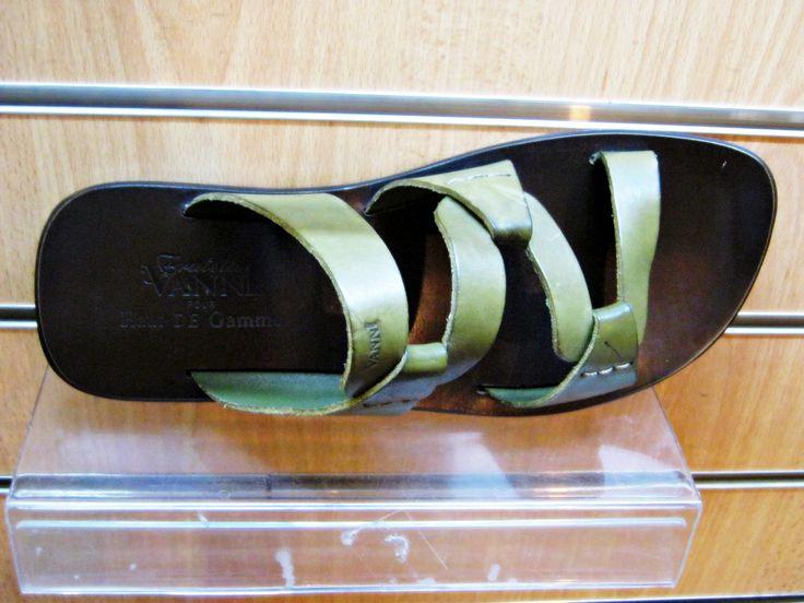 Pin by haut de gamme pr t porter on haut de gamme sandales vanni pinterest - Pret a porter homme haut de gamme ...
