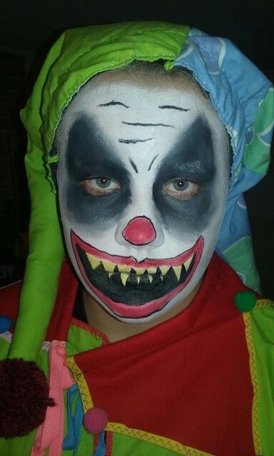 Halloween. Facepaint. Ansiktsmaling. Clown. Klovn. Made by Jane M Trolle. Norway.