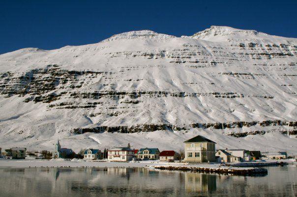 Beautiful and Scary: Hvítur Lakkrís, Snow Mountain, Winteri Weather