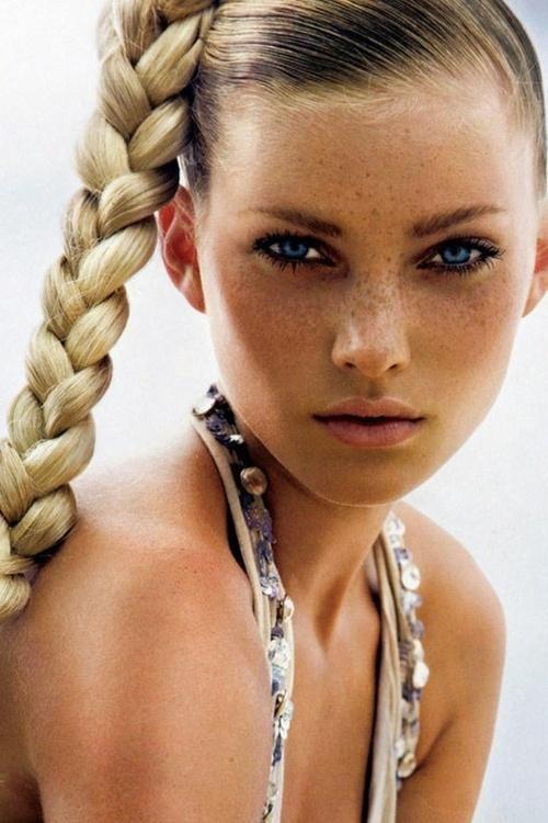 bronzed skin + blue eyes