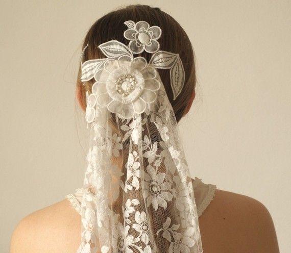 Lace headdress: Lace Wedding Dresses, Wedding Veils, Vintage Lace Veils, Antique Lace, Antiques Lace, Vintage Bridal, Beautiful Veils, French Vintage, Vintage Lace Wedding